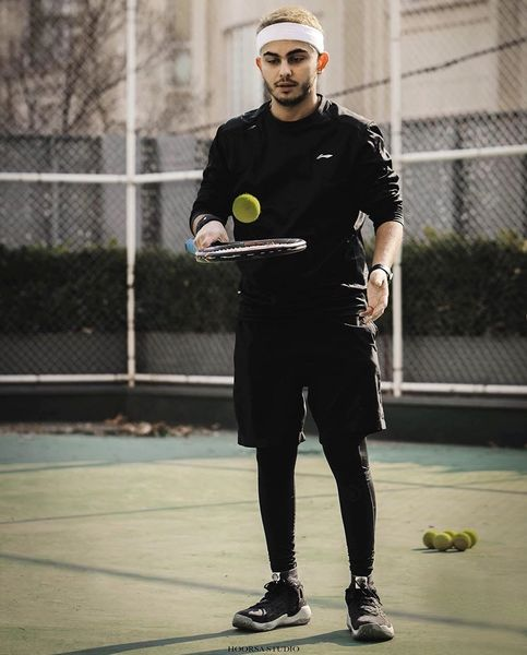 تنیس بازی کردن بازیگر جوان + عکس