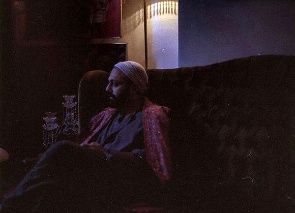 خانه تاریک صابر ابر + عکس