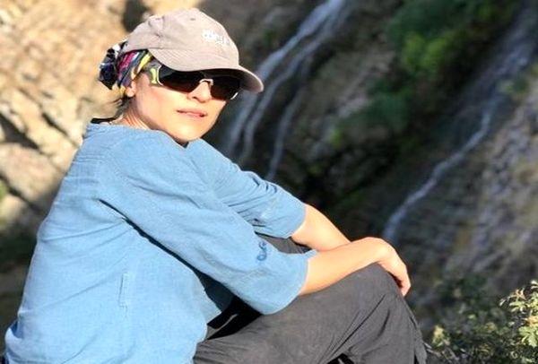 حرکات عجیب و شاد ویشکا آسایش در کوهنوردی با همسرش+فیلم