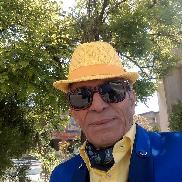 تیپ زرد و آبی بازیگر شبهای برره + عکس