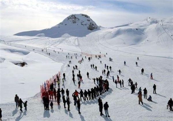 اسکی در حکاری٬ در مرز ایران و ترکیه