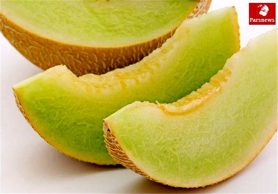 برای سفید شدن رنگ پوست خود این میوه را بخورید!