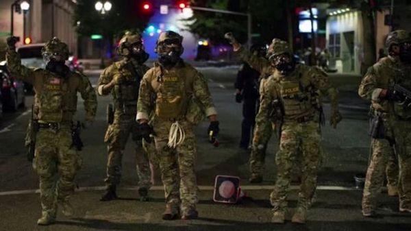 دستور ترامپ به سرکوب معترضان پیش از انتخابات