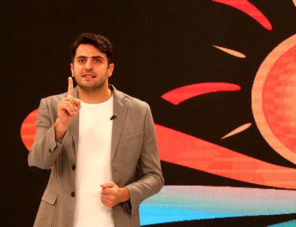 اینستاگرام:: تجلیل از مرد قهرمان اهوازی در برنامه علی ضیا