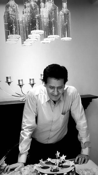 ابوالفضل پورعرب در خانه اش + عکس