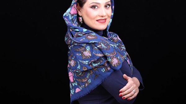 حافظ خوانی شبنم مقدمی با تیپ سنتی اش+عکس