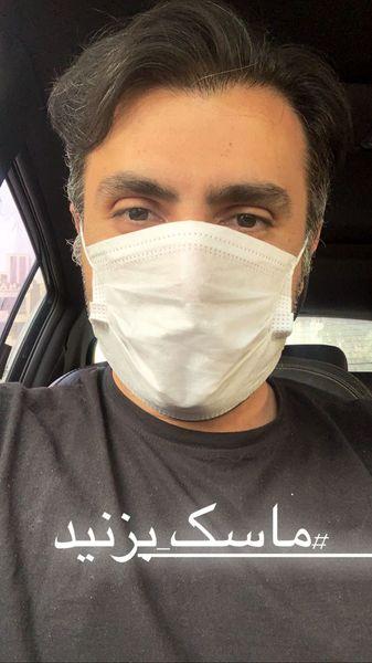 علیرضا طلیسچی با ماسک در ماشینش + عکس