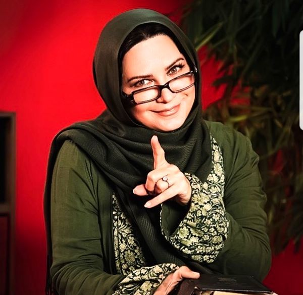 تیپ معلمی لعیا زنگنه+عکس