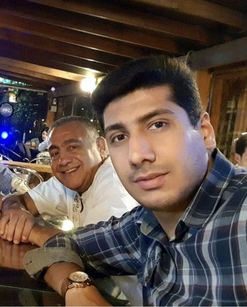 خسرو احمدی و پسرش در رستوران + عکس