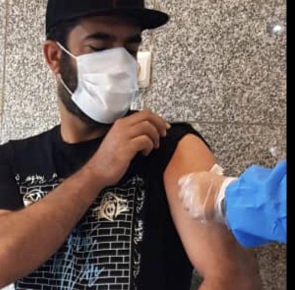 منوچهر هادی هم واکسن زد + عکس