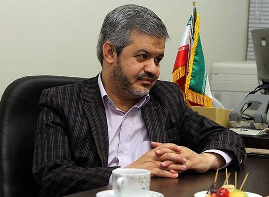 توزیع بیانیه بدون اسم و امضاء از سوی علیرضا رحیمی در راهروی مجلس