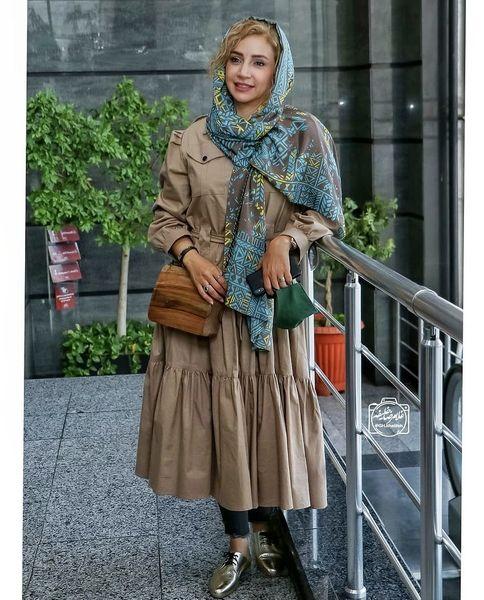 کفش های طلایی رنگ شبنم قلی خانی /عکس