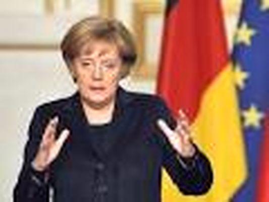 انتقاد از رهبری مرکل در اروپا