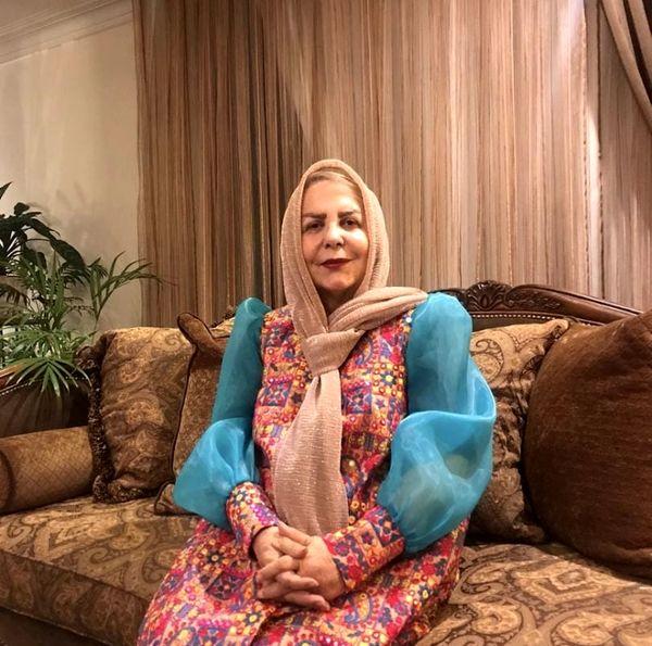پوراندخت مهیمن در خانه اش + عکس