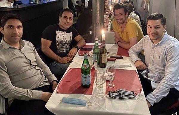 مهدی مهدوی کیا با دوستانش در رستوران + عکس