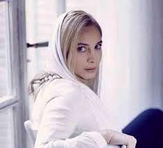 تبریک مریم کاویانی به عوامل شبی که ماه کامل شد/عکس