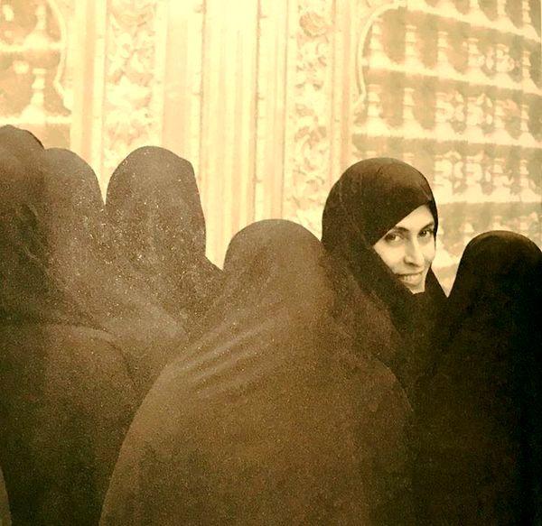 عکس زیر خاکی بهناز جعفری با حجاب کامل