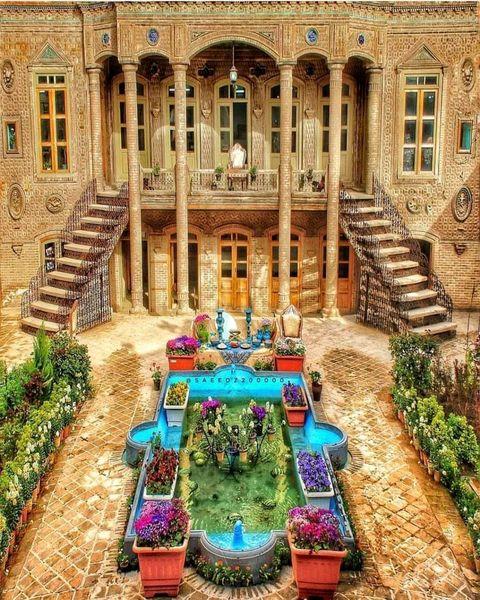 تصویری دلنشین از یک عمارت !
