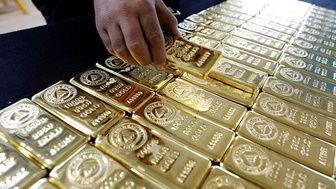 کشورهای جهان، طلا را جایگزین ذخایر دلاری خود میکنند