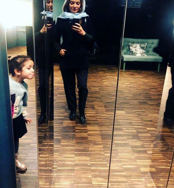 شیطنت دختر مهناز افشار در عکس خوشتیپ مادرش+عکس