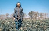 لیندا کیانی در مزرعه ای زیبا + عکس