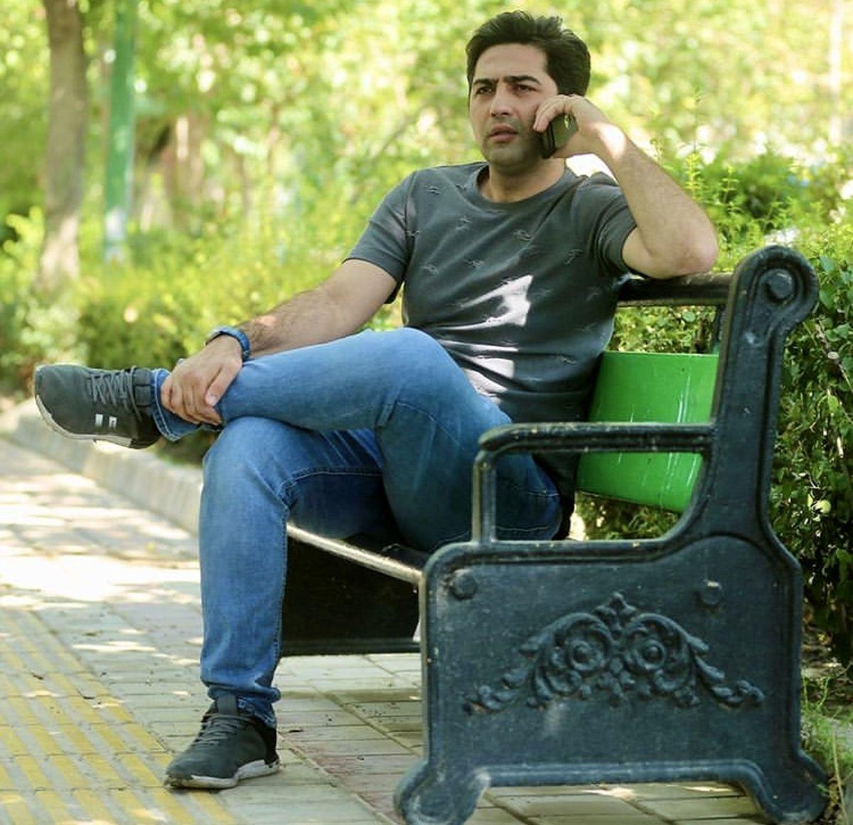 علی سخنگو در پارک + عکس