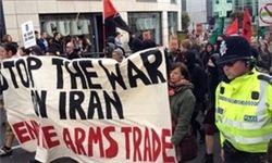 مخالفان حمله به سوریه، درلندن تظاهرات میکنند