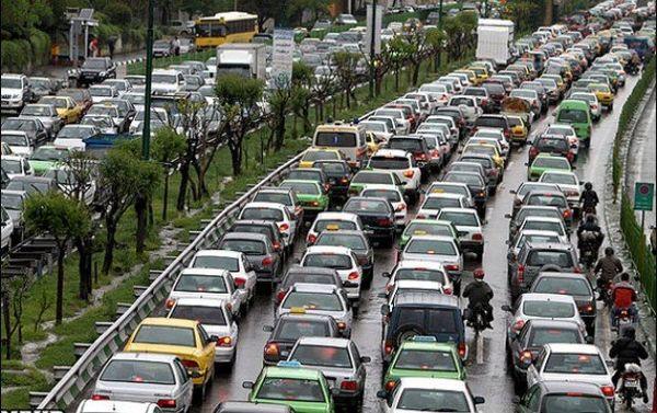 ترافیک سنگین بزرگراههای تهران در صبح بارانی یکشنبه