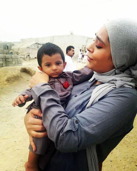سانیا سالاری در بین کودکان محروم + عکس