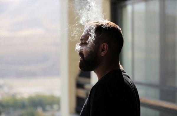 صابر ابر در هاله ای از دود + عکس