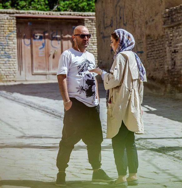ریحانه پارسا و همسرش در کوچه ای خلوت + عکس