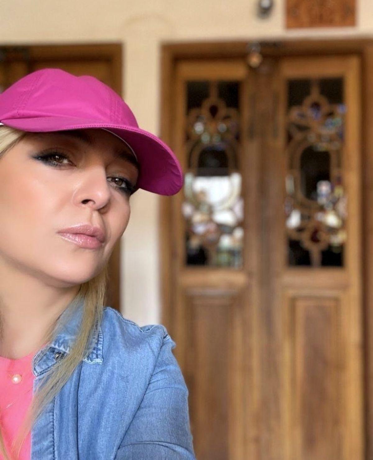 استایل جدید ساره بیات با کلاه + عکس