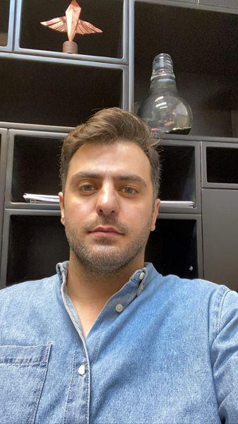 سلفی جدید علی ضیا در برنامه تلویزیونی + عکس