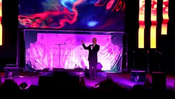 خواننده زیرزمینی با مجوز کنسرت برگزار کرد