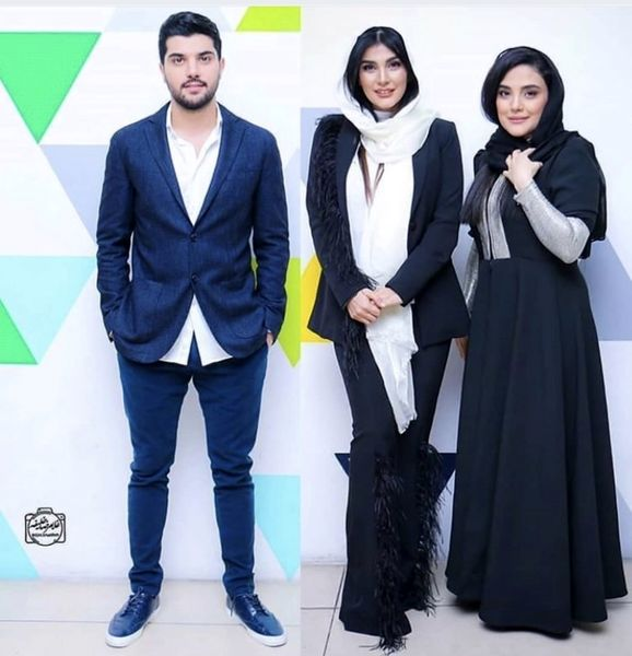 سینا مهراد در کنار خواهرانش + هکی