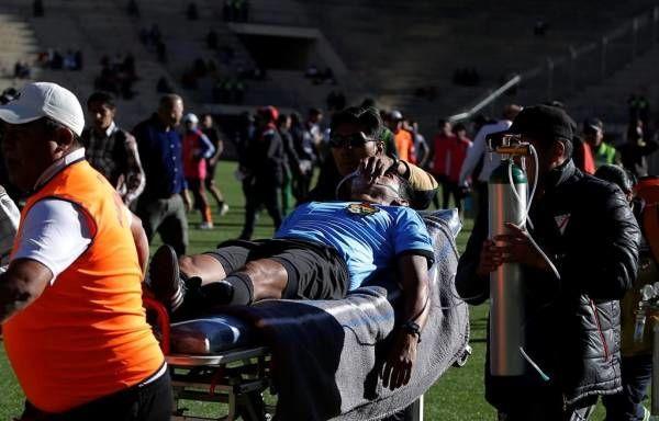 مرگ دلخراش داور وسط مسابقه فوتبال ! + عکس