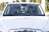 مردم ترکمنستان به عشق رئیس جمهوری خود ماشینهایشان را سفید میکنند!