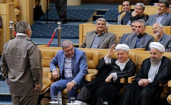 آیا فیروزآبادی با انحلال نیروهای نظامی کشور موافق است؟