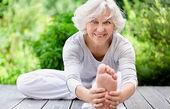 اثرات مثبت یوگا در زندگی سالمندان