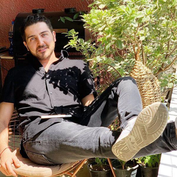 بازیگر جوان چشم روشن سینما در حال استراحت + عکس