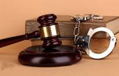 آیا جرم ضرب و جرح،حبس دارد؟