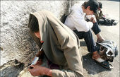 جمعآوری معتادان دره فرحزاد در پی احتمال سیل در روددرهها