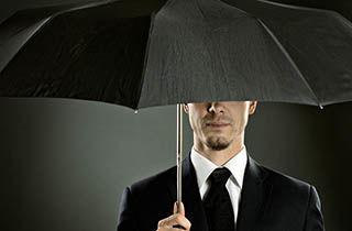چتری که به دنبالتان میآید + فیلم