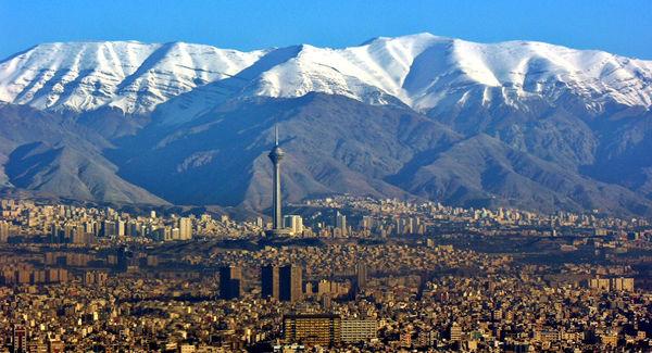 توییتر:: تغییر تهران از پایتخت به شهرستان