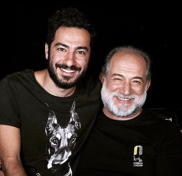 نوید محمدزاده در کنار پدر خانم بازیگر مشهور + عکس