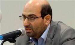 استفاده از گزینههای مسن مانند آخوندی برای شهرداری تهران مایه آبروریزی است