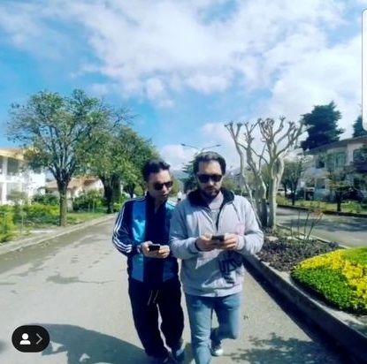 قدم زدن بهرام رادان با بازیگر مشهور سینما در پارک + عکس