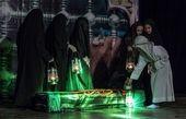 تمجید پدر شهید احمدی روشن از نمایش «غربت ماه»