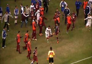 کتک کاری شدید بازیکنان و کادر فنی در سری D فوتبال برزیل + فیلم
