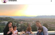 عکس رونالدو با همسر و فرزندانش در منظره زیبا